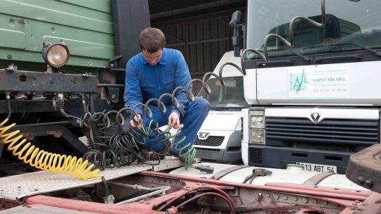 La maintenance des véhicules industriels : comment ça marche ?